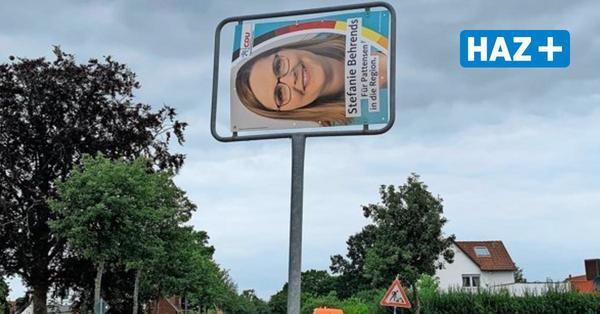 Unbekannte stehlen Ortseingangsschild von Pattensen - und ersetzen es durch Wahlplakat