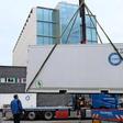Container: Hier lagert die IG Metall Wolfsburg ihr Geburtstagseis
