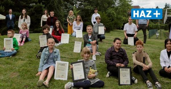 Schreibwettbewerb 2021 von HAZ und MADS: Sieger mit Urkunden und Preisgeldern geehrt
