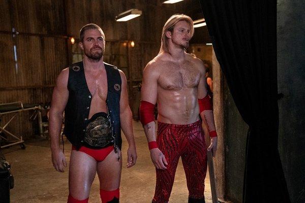 'Heels', lo nuevo de Starzplay, sube al ring a Stephen Amell y Alexander Ludwig