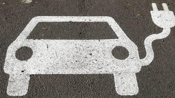 E-Mobilität: Routenplanung, intelligentes Laden und Co. - Diese Features unterstützen die Fahrt im E-Auto