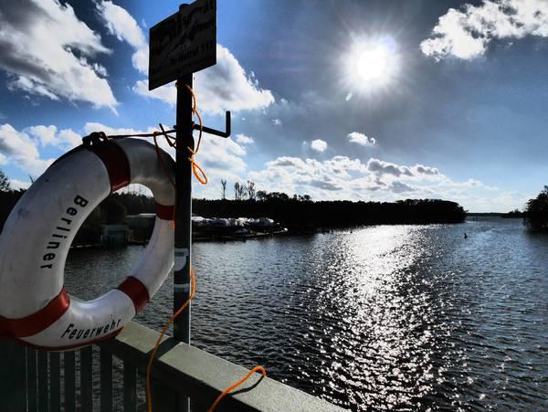 An der Schmöckwitzer Brücke treffen Zeuthener See und Seddinsee aufeinander. Foto: Jürgen Ritter/Imago