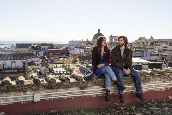 Crítica: 'Generación 56k', la divertida comedia romántica italiana que te trasladará a los años 90