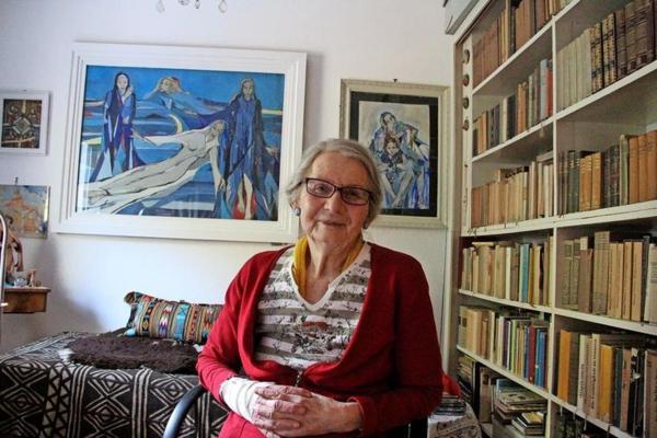Maria Rüger verwaltet und ordnet den Nachlass ihres Vaters Kurt Magritz. (Foto: Marlies Schnaibel)