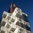Wie der großartigste/merkwürdigste Wohnturm der Welt gerettet werden soll