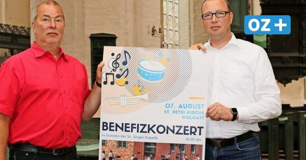 Nach Brandanschlag auf Kirche: Landespolizeiorchester gibt in Wolgast Benefizkonzert