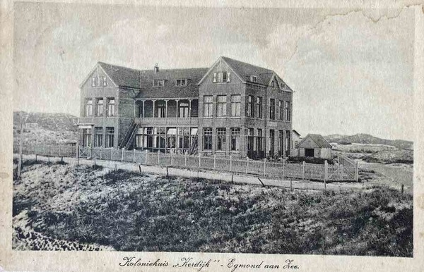 Vacantie aan zee (#7): Koloniehuis 'Kerdijk', Egmond aan Zee | De Orkaan
