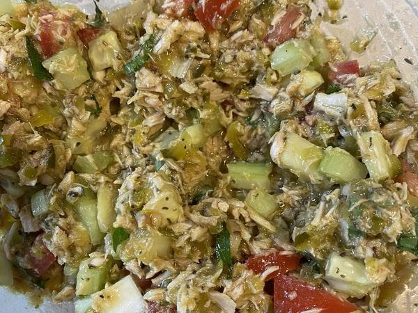 Watch as I prepare a healthy Italian tuna with local veggies, spices, and oils from Fresno