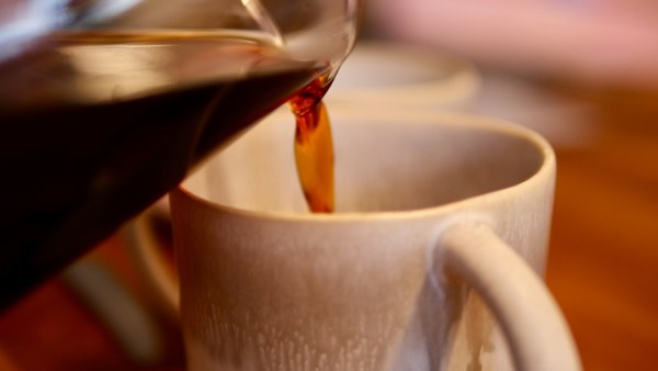 Koffein beeinflusst Schlaf – Ich trinke meist nach 14:00 Uhr keinen Kaffee mehr.