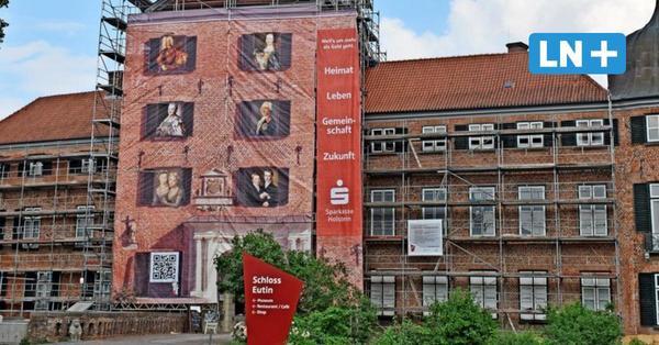 Banner an der Eutiner Schlossfassade: Wer einst hier gelebt hat