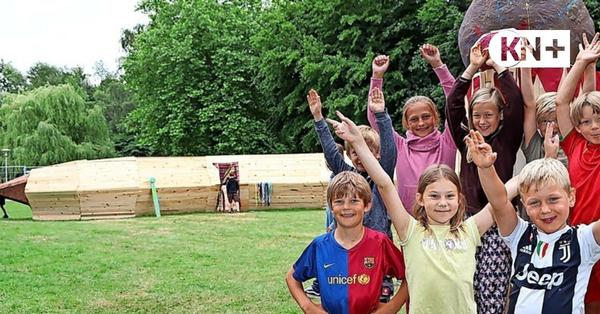 Kronshagen: Kinder bauen bewohnbaren Wurm aus Holz