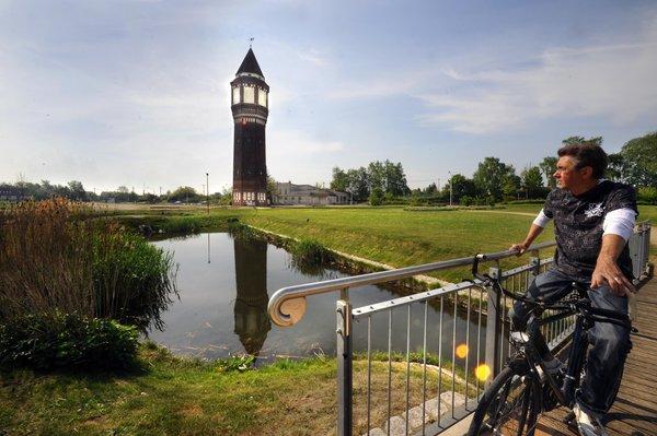 Der Lehrter Stadtpark mit dem markanten Wasserturm. (Foto: Michael Schütz)