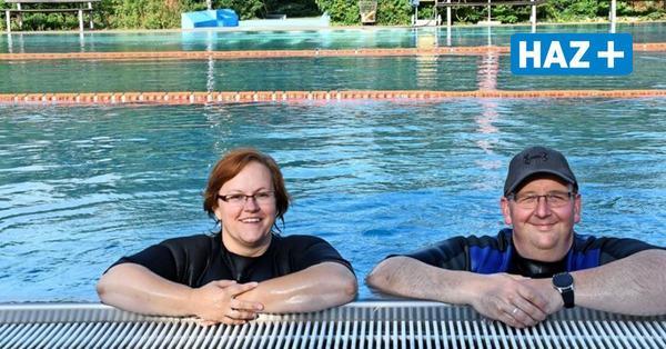 Im Freibad Mellendorf lernen Erwachsene schwimmen
