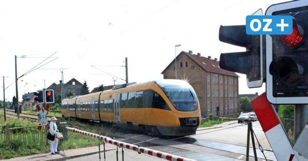 Bahn baut in der Hochsaison auf Rügen: Monatelang Schienenersatzverkehr und Umleitungen für Autofahrer