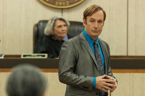Bob Odenkirk se recupera de un problema cardiaco tras desplomarse en el set de 'Better Call Saul'