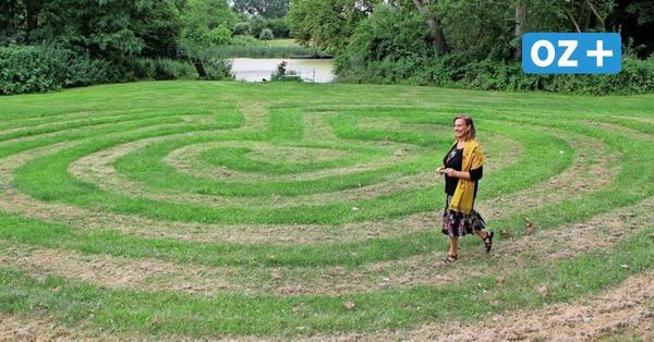 Musiktheater am Kulturgut Dönkendorf: Alles dreht sich um ein Rasenlabyrinth