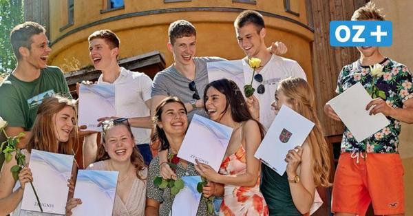 Abitur 2021 in Rostock: Das sind die Abschluss-Fotos der Schüler an den Gymnasien