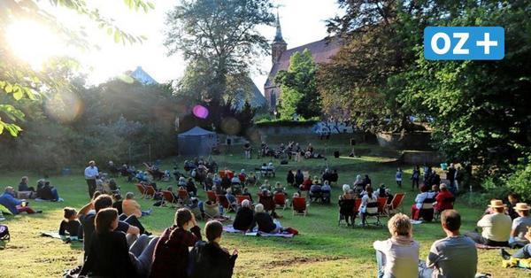 """Ribnitzer Eventreihe """"Musik offen"""" ist am Kloster gestartet"""