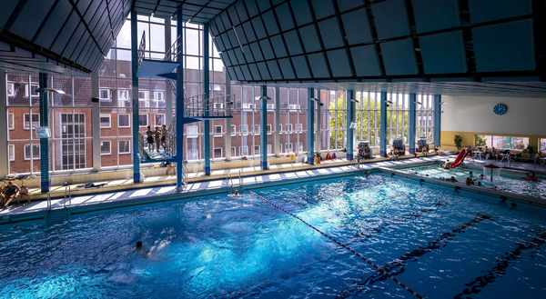 Nach langer Corona-Pause: Lübecker Schwimmbäder öffnen wieder