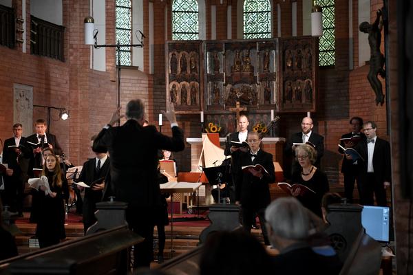 Die Reihe der Lehniner Sommermusiken in der Klosterkirche startet wieder. (Foto: Böhme)