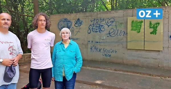 Gedenktafeln in Barth beschmiert: Unbekannte schänden KZ-Mahnmal