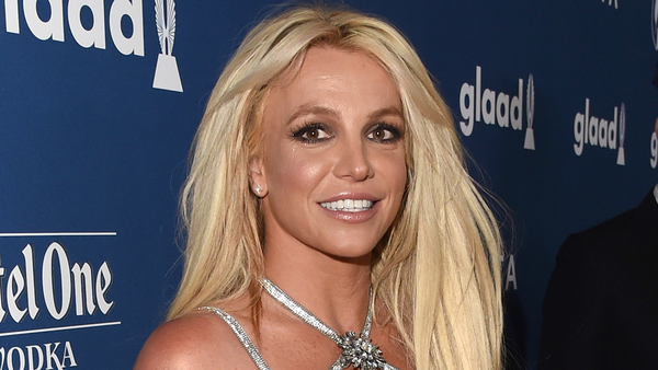 Britney Spears calls for 'immediate suspension' of dad Jamie from conservatorship in new court docs | Fox News
