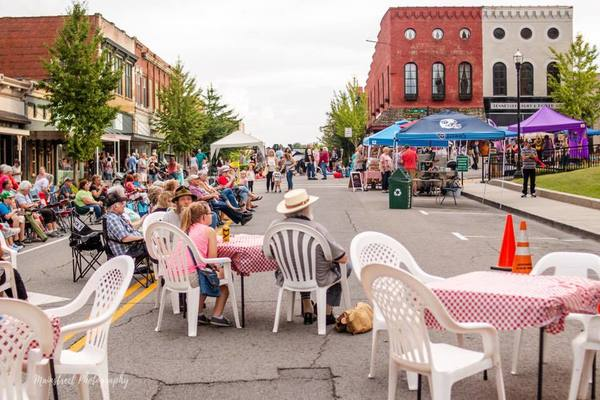1st Friday Night is next Friday Aug 6th 6-9pm on the Historic Downtown Springfield Square!!!!