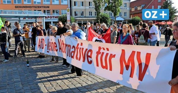 AfD und Gegendemo auf Rügen: Trillerpfeifen siegten in Bergen
