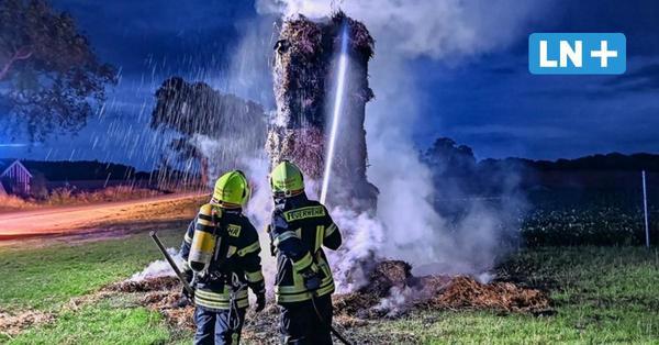 Wangels: Strohballen brennen an der Bundesstraße 202