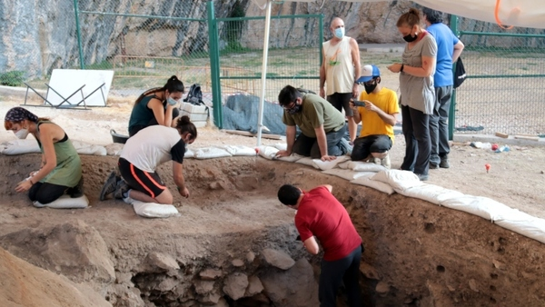 Es troben més fragments de la homo sapiens de fa 14.000 anys a la Cova Gran de Santa Linya