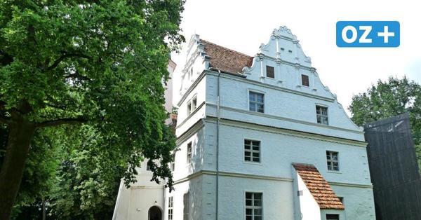 Besuchenswertes Peenetal: Von Wasserschloss über alte Autos bis DDR-Denkmal