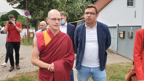 Losang Kyabchok und Erik Stohn (Foto: Bürstenbinder)