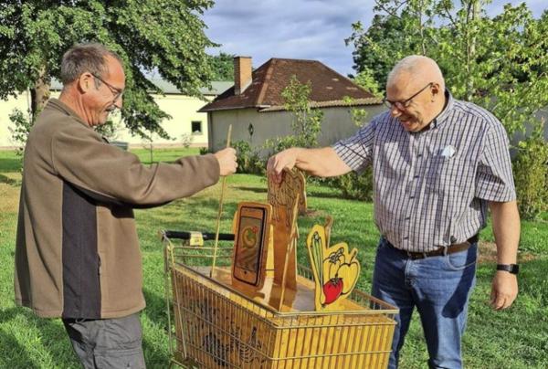 Die Ausstellung in Langenlipsdorf beschäftigt sich auch mit Konsum. Quelle: privat