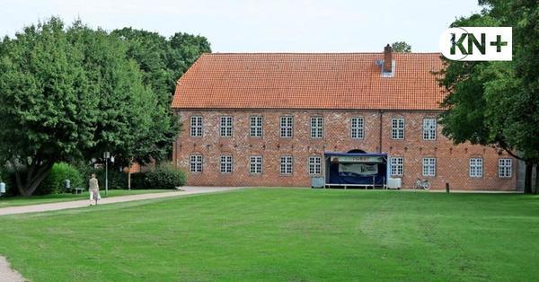 Neuer Anlauf für attraktivere Schlosswiese in Bad Bramstedt