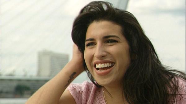 Amy Winehouse in 2004 in Nederland | © NTR
