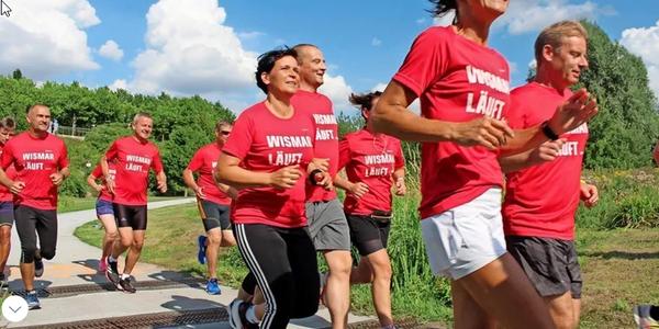 Wismarer Schwedenlauf gestartet – darum sind 6580 Kilometer das Ziel