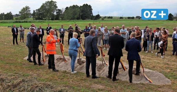Sieben Spaten für ein Halleluja: Bau der Wolgaster Ortsumgehung offiziell begonnen