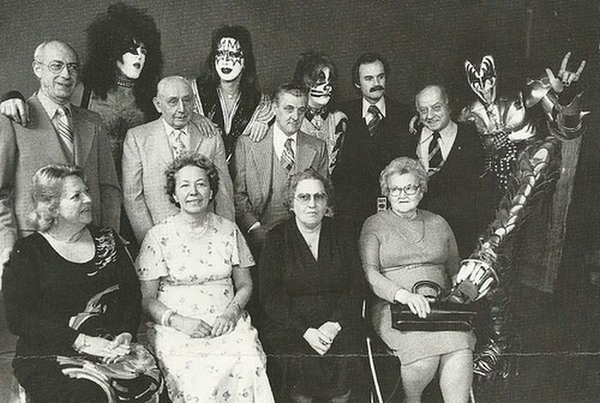 KISS mit ihren Eltern. 1976.