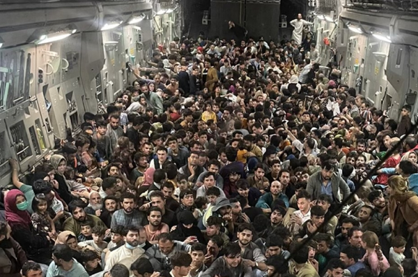 640 Afghans in a single C-17 flying out of Kabul