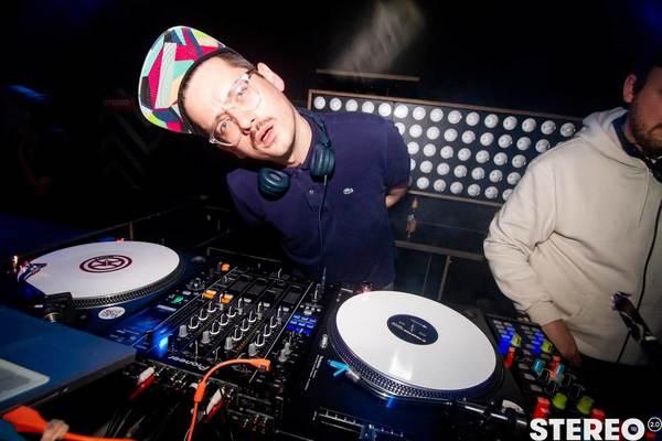 »Geht's wirklich wieder los?« – Ich am DJ Pult des Stereo Clubs in Bielefeld