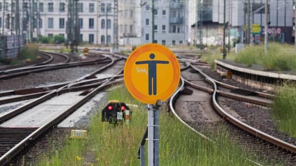 Bahnstreik der GDL: Deutsche Bahn bietet Corona-Prämie an