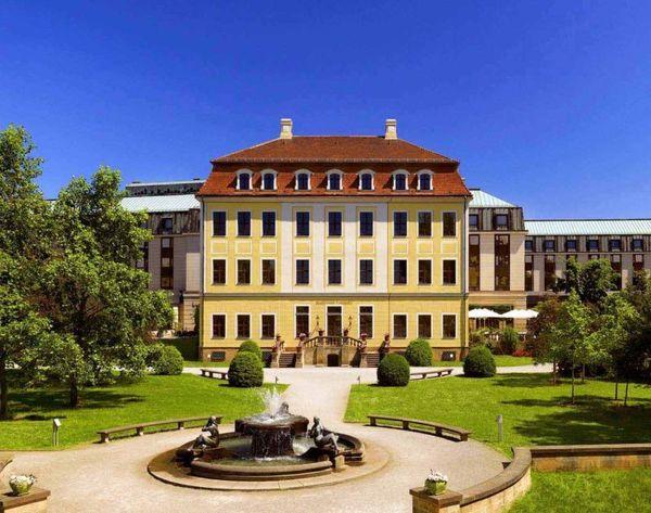 Auf zum Sommerfest - im Bilderberg Bellevue Hotel Dresden. Foto: PR