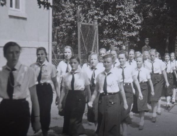 """Auch in Hannover wurden junge Frauen und Mädchen während der Nazi-Zeit beim """"BDM"""" indoktriniert. Foto: privat"""