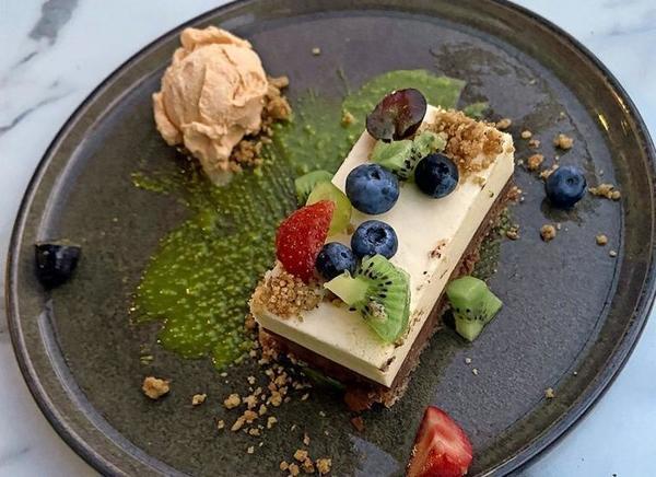 Schokoladen-Zwilling zum Dessert. Foto: Petra Mewes