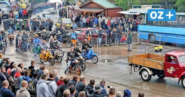 Gucken, staunen, mitfahren: Ostblock-Treffen in Pütnitz mit rund 2000 Fahrzeugen