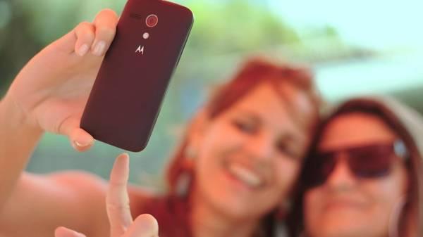 Es muss sich nicht immer das Selfie sein: Ideen für schöne Profilbilder mit Freunden