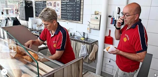 Job gesucht? So viel verdient ein Fischbrötchenverkäufer in Zinnowitz