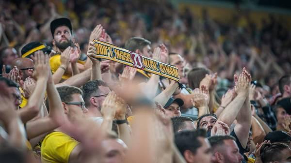 Ärztekammerpräsident fordert: Keine Zuschauer mehr in Fußballstadien