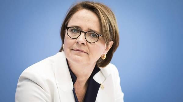 Frauen-Union-Chefin Widmann-Mauz fordert Verbot von Prostitution