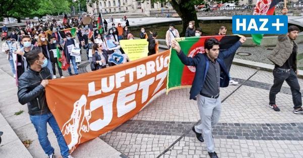 """Demo in Hannover: """"Die Welt darf Afghanistan nicht allein lassen"""""""